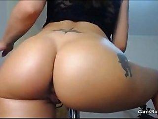 Big ass latina makes some moves