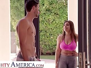 Jenna Ella Knox fucks her best friends boyfriend