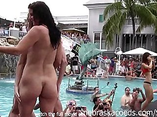 girls eating pussy getting totally naked at wild pool party