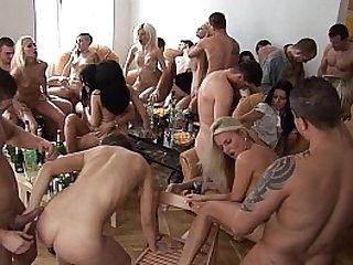 Party Girls Sucking Fucking their Friends